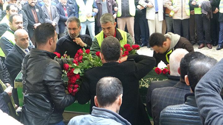 Evrenesoğlunun cenazesi, Bursa Mezarlıklar Şube Müdürlüğünden saat 11.00 sıralarında yakınları tarafından alındı. Cenaze, sivil polislerin yer aldığı konvoyla, Hamitler Mezarlığına getirildi. Cenaze aracının mezarlığa girmesiyle, bazı kişilerin feryat ettiği duyuldu.