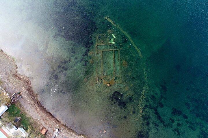Su çekilmesi, İznik Gölündeki bazilikayı görünür hale getirdi