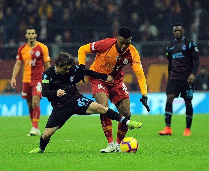 İki ekip arasında, Trabzonsporun şimdiki adıyla Süper Lige yükseldiği 1974-1975 sezonunda başlayan 45 yıllık rekabette yapılan resmi ve özel 127 karşılaşmanın 58ini Galatasaray, 42sini Trabzonspor kazandı, 27 müsabakada ise taraflar birbirlerine üstünlük sağlayamadı.  Lig, Türkiye Kupası, Cumhurbaşkanlığı Kupası, Başbakanlık Kupası, TSYD Kupası ve özel maçlar olmak üzere geride kalan karşılaşmalarda Galatasaray 166, Trabzonspor ise 142 kez gol sevinci yaşadı.