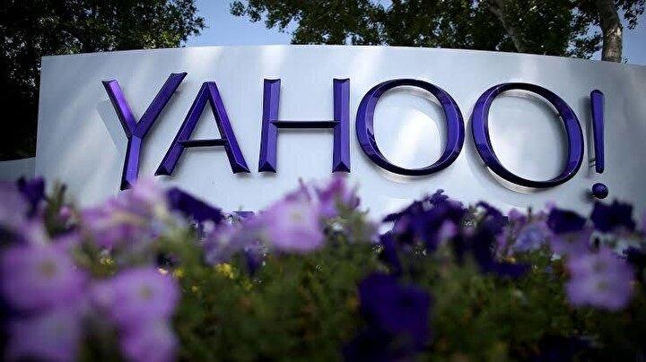 Yahoo, Google'dan daha uzun süredir var ve internet kullanıcılarının bir kısmı hala, günlük kullanım için Yahoo!Search arama motorunu kullanıyor.   Üçüncü en popüler arama motoru olmasına rağmen, Bing ile çok farklı özelliklere sahip değil. Arama sonuçlarına bakmanın yanı sıra, bu Google alternatif arama motorunun size sunacakları çok şey var.   Web portalı bir haber toplayıcı, bir e-posta servisi, çevrimiçi alışveriş merkezi, oyun merkezi, seyahat rehberi ve daha pek çok şey olarak hizmet vermektedir. Yahoo, yaklaşık 38 dili desteklemektedir ve Mozilla Firefox gibi tarayıcılar için varsayılan arama motorudur. Bağımsız bir arama motoru olmak yerine, Yahoo'nun web portalı spordan seyahate kadar göz atmaya değer çeşitli hizmetler sunmaktadır.   Flickr, arama motoruyla bütünleştirildiğinden beri, daha iyi görüntü sonuçları sunar ve Yahoo Answer ve Yahoo Finance gibi bölümler birçok konuda bilgi kaynağıdır. Gizlilik alanında Yahoo! Google'dan daha iyi performans göstermeyi başarıyor.