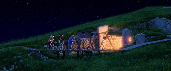 Rafadan Tayfa 2 - Göbeklitepe, Rafadan Tayfa ekibinin, Göbeklitepede atıldıkları gizemlerle dolu maceraları konu ediyor. Dünyanın gözü Göbeklitepe'nin üzerindedir. Burada yapılan kazılar büyük yankı uyandırmıştır.