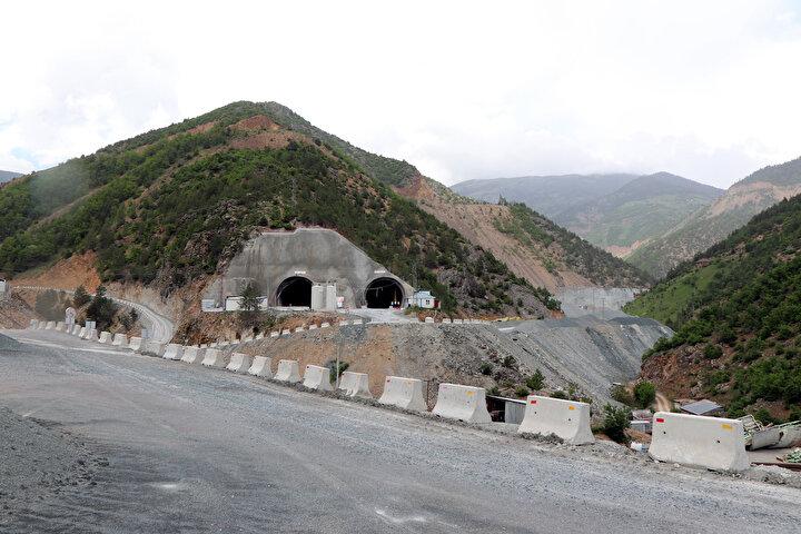 Projeyle Gümüşhanenin Torul ilçesine bağlı Köstere köyü mevkisiyle Trabzonun Maçka ilçesine bağlı Başarköy köyü arasında, her biri 14,5 kilometre ve toplam 29 kilometre uzunluğunda çift tünel inşa ediliyor.