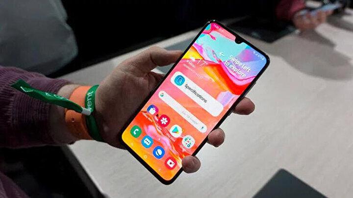 Samsung Galaxy A70  2 bin 700 TL