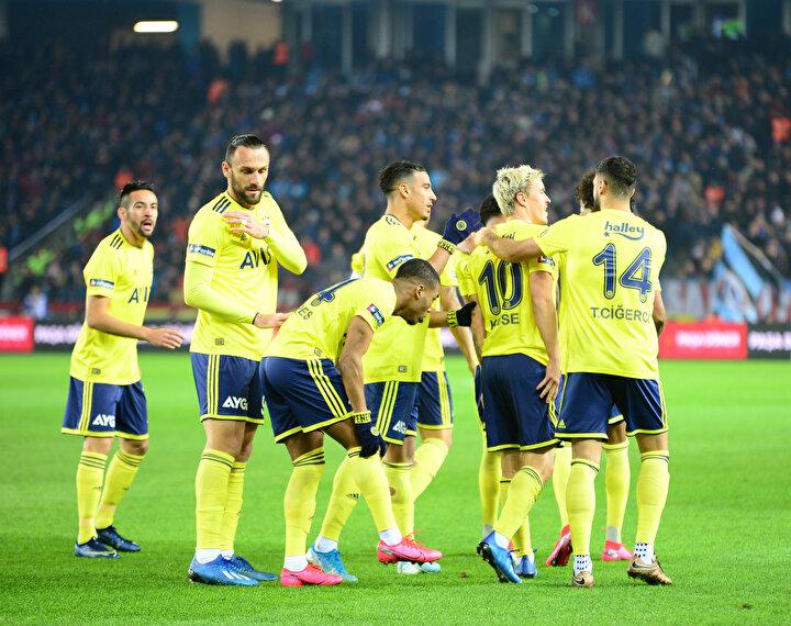 Bu maça 1 puan yazmıştım, belki kazanabilirdi. Ben Fenerbahçenin şampiyonluk yarışında ciddi şekilde olduğunu düşünüyorum. Trabzonspor çok değerli 3 puanı aldı, Fenerbahçe de bu kadar pozisyona girdiği deplasmanı çok zor bulur.