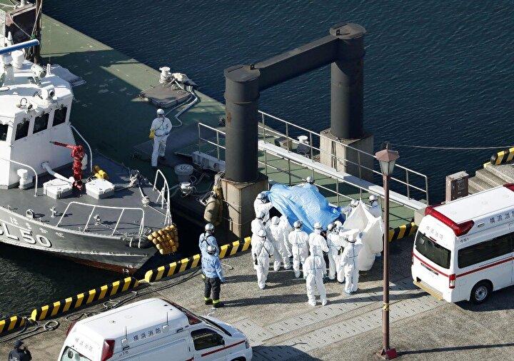 Gemiyi terk ettikten sonra enfekte olduğu anlaşılan bir Hong Konglu yolcu nedeniyle pazartesi Japonya'da karantinaya alınan gemiden kötü haberler gelmeye devam ediyor.