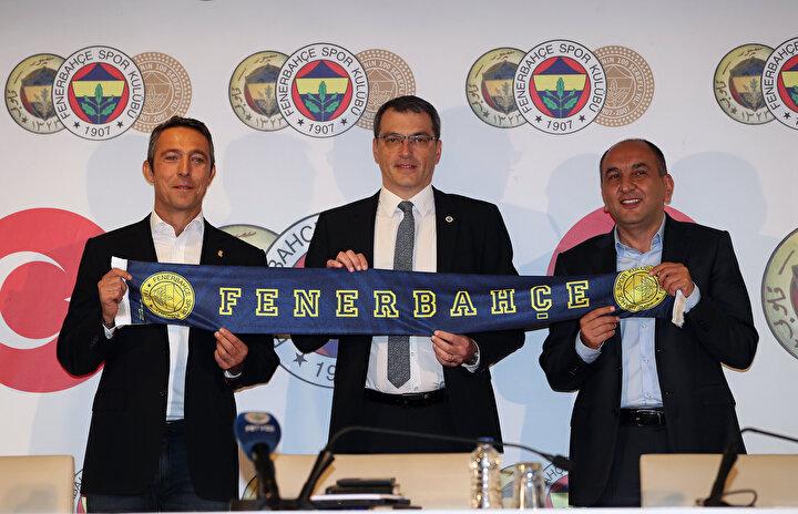 Fenerbahçede Ali Koç yönetimi göreve geldikten sonra birçok oyuncu transferi gerçekleşti. Bununla birlikte bazı isimlerde takımdan ayrıldı. Fenerbahçeden ayrılan futbolcuların bazıları ise dikkat çekici istatistiklere imza attı.