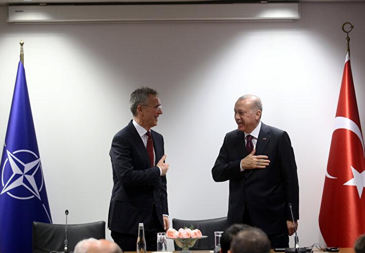 Cumhurbaşkanı Erdoğan ve NATO Genel Sekreteri Jens Stoltenberg ile tokalaşmadı.