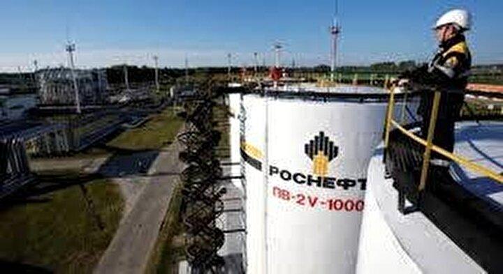 Rus petrol şirketleri Rosneft ve Lukoil'in hisselerinde ise yüzde 4'ün üzerinde kayıp yaşandı.