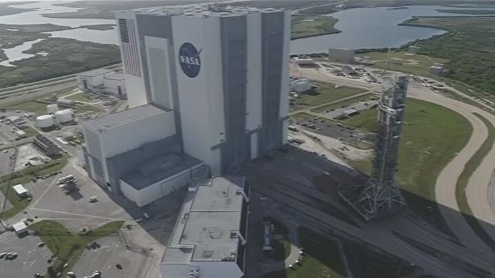 NASAnın Kaliforniyadaki Ames Araştırma Merkezi pazar günü, bir sonraki duyuruya kadar çalışanlarının evden çalışacağını açıkladı.