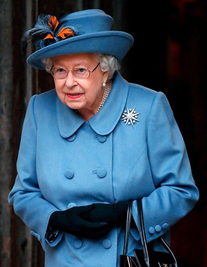 Kraliçe Elizabeth, geçtiğimiz günlerde koronavirüs salgınının görevleri yerine getirmeyi engellememesi gerektiğini belirtmişti.