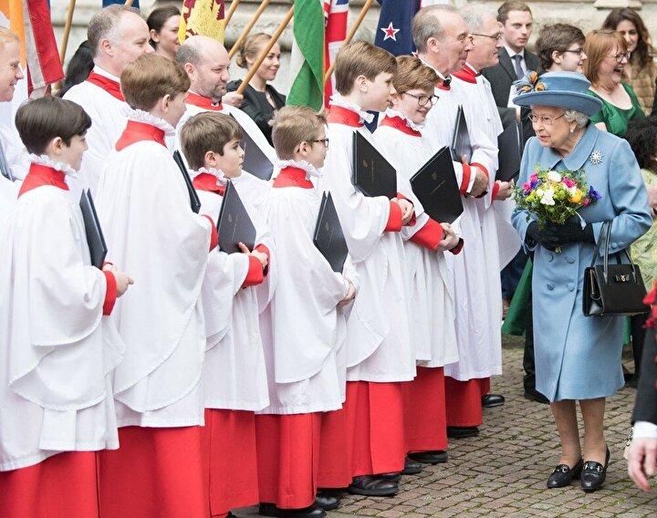 Kraliçe, 9 Martta yapılan Commonwealth Day (Milletler Topluluğu Günü) kutlamasında halkın arasına karışmıştı.