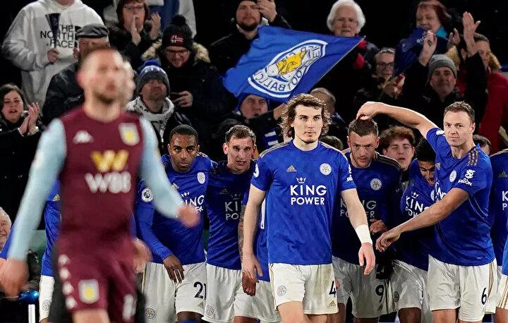 Leicester City karatinada: Milli futbolcu Çağlar Söyüncünün formasını giydiği Leicester City, 3 oyuncusunun koronavirüse yakalandığını belirtti. İngiliz ekibi, bu isimlerin karantinaya alındığını ilan etti.