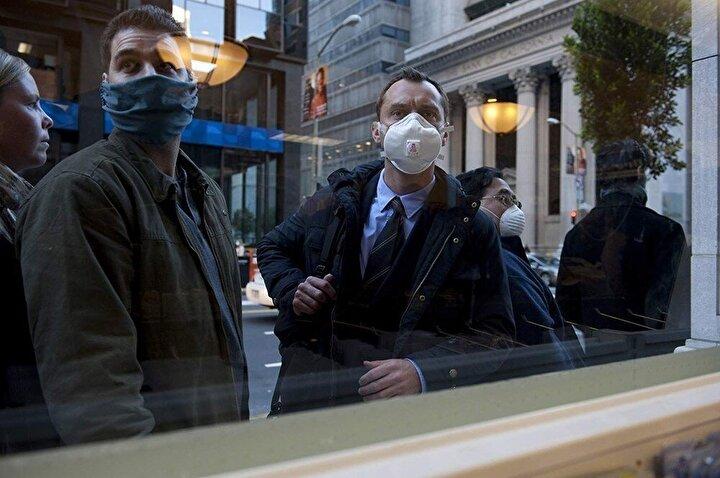 Hava ve solunum yoluyla rahatlıkla geçen ve insanları birkaç gündür içinde öldüren, ölümcül bir virüs salgın şeklinde yayılmaktadır.