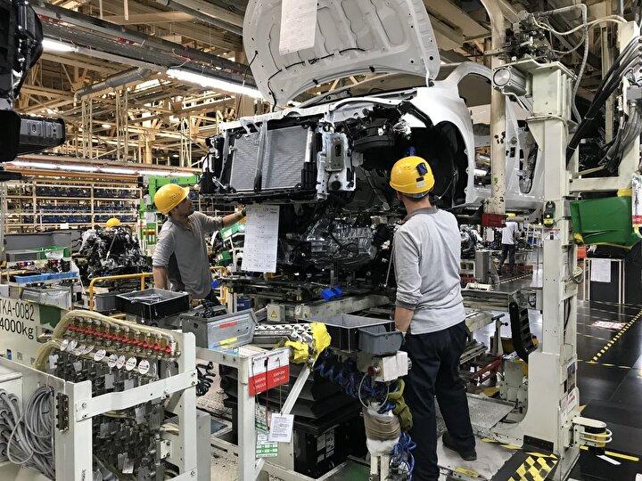 Bu kapsamda Toyota Otomotiv Sanayi Türkiye, çalışanlarının sağlığını güvence altına alma konusunda en üst düzeyde hassasiyet göstererek 21 Mart-5 Nisan tarihleri arasında 2 hafta süreyle üretime ara veriyor.