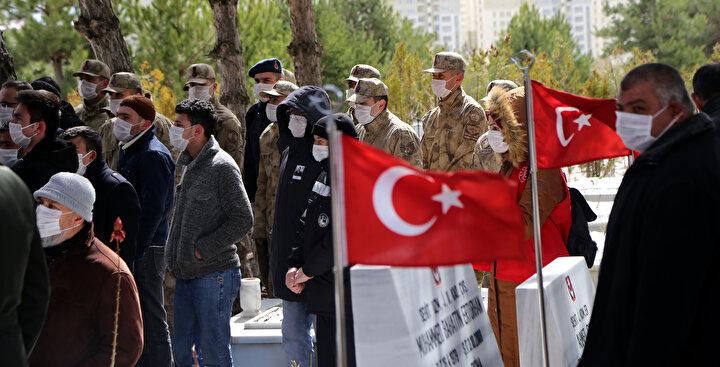 Törende, Cumhurbaşkanı Recep Tayyip Erdoğanın şehit ailesine gönderdiği taziye mesajı okundu.