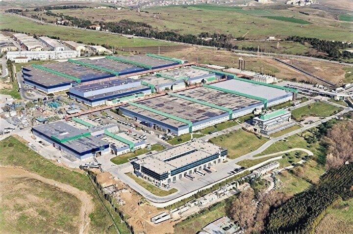 Mercedes-Benz Türk, yeni tip koronavirüs salgını nedeniyle Hoşdere Otobüs Fabrikası'nı 23 Mart-5 Nisan ve Aksaray Kamyon Fabrikası'nda 28 Mart-10 Nisan 2020 tarihleri arasında 2 haftalığına ara verme kararı aldıklarını duyurdu.