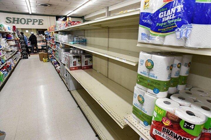 Koronavirüsü salgını nedeniyle marketlere akın edilen bazı ülkelerde, tuvalet kağıdı rafları boşalmıştı.