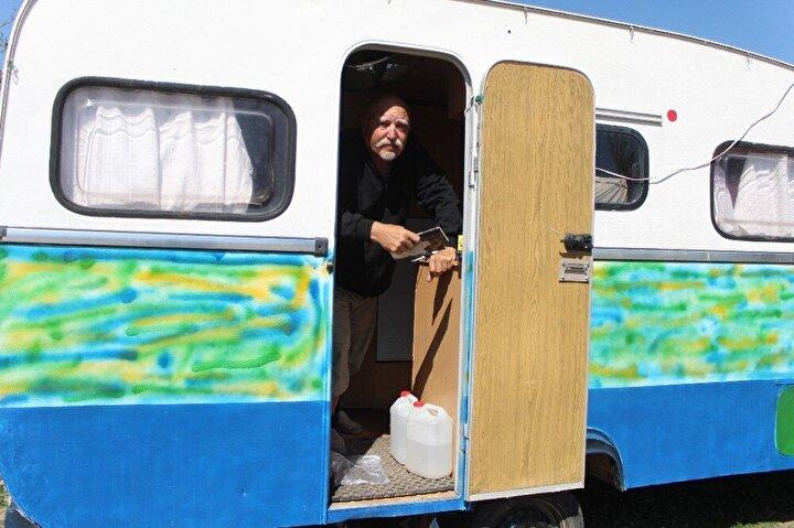 Bazı karavancılar ise ailelerinin isteği üzerine tur güzergah ve tarihlerini değiştirip evlerine dönmeye hazırlanıyor.