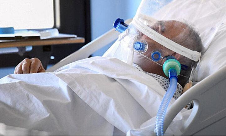Koronavirüsü nedeniyle ölenlerin sayısının 281e yükseldiği İngilterede, okulların yanı sıra restoran, kafe ve publar da kapatılmış durumda.