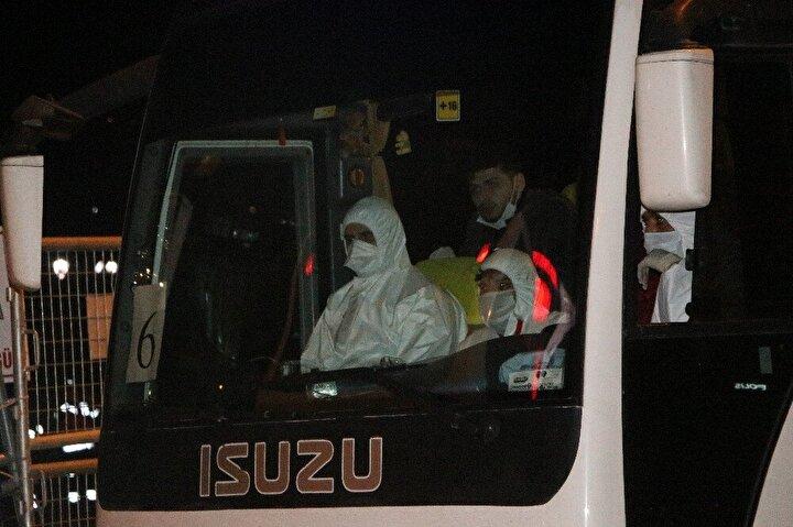 Yurt dışından gelen yolcular da Boludaki öğrenci yurduna yerleştirildi.