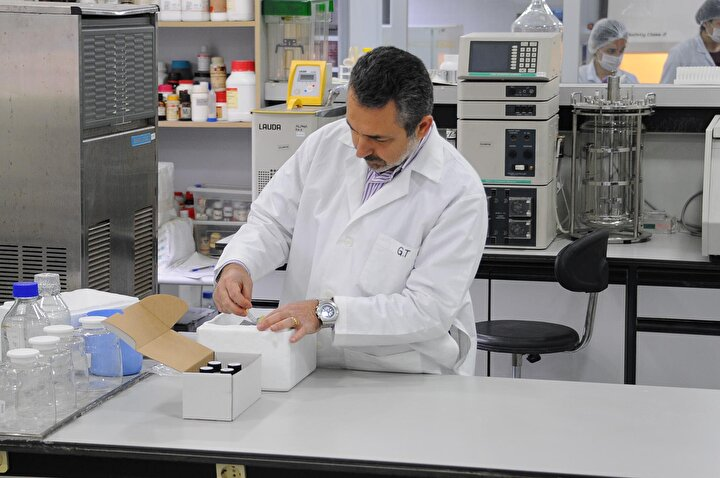 Kocaeli'nin Gebze ilçesindeki bir biyoteknoloji firması, kendi laboratuvarlarında yaklaşık 2 aylık bir çalışma sonucunda moleküler tabanlı koronavirüs test kiti geliştirdi.