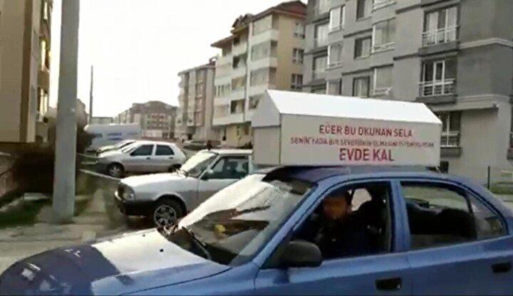 Bolu'da, korona virüs salgınına karşı 65 yaş ve üstü kişilerin evlerinden çıkmalarının yasaklanmasına rağmen bazı vatandaşların yasağa uymaması üzerine, Murat Çalık isimli vatandaş farkındalık oluşturmak istedi.