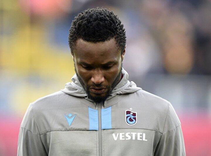 Hatırlanacağı üzere Trabzonsporlu futbolcu Obi Mikel, koronavirüs sebebiyle liglerin ertelenmesi gerektiğini belirtmiş ve bu durum kulübüyle arasını açmıştı. Nijeryalı oyuncu, İngiltereye ailesinin yanına gitmekte ısrarcı olunca da yönetimle oturarak sözleşmesini karşılıklı olarak feshetmişti.