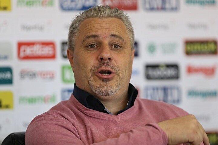 Süper Lig ekiplerinden Gaziantepte teknik direktör Sumudica da önceki günlerde yönetiminden izinsiz şekilde Türkiyeden ayrılmış ve Romanyaya gitmişti. Bu durum şehirde krize neden olmuştu.