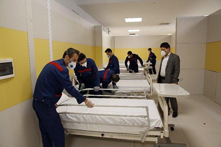 İran devlet televizyonundan yapılan açıklamada, korona virüs hastalarının tedavisi için Iran Mallın bir bölümünün geçici olarak hastane olarak kullanılacağı belirtildi.