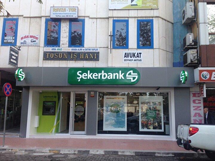 Şekerbank Covid-19 salgını nedeniyle sağlık çalışanlarının mevcut kredi ve kredi kartı ödemelerini Haziran ayına kadar öteleyeceğini açıkladı. Şekerbank açıklamasında, KOBİ'lere, mevcut istihdamın korunması koşuluyla ek krodi olanağı sunulacağını belirtildi.
