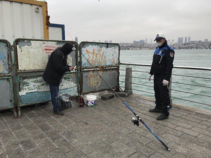 Üsküdar Belediyesi ve Üsküdar Kaymakamlığı korona virüs salgınına karşı alınan tedbirler kapmasında ilçe sınırları dahilinde balık tutulmasını geçici süreyle yasakladı.