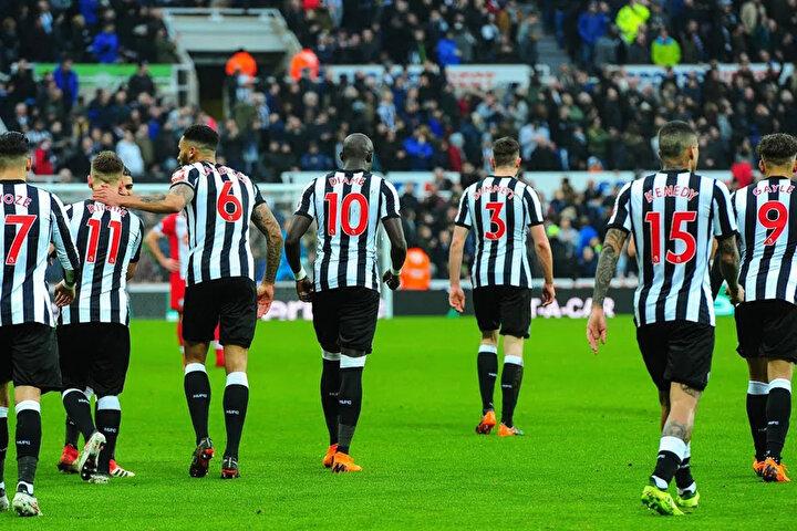 Newcastle United, ertelenen Premier Ligde 13. sırada yer alıyor.
