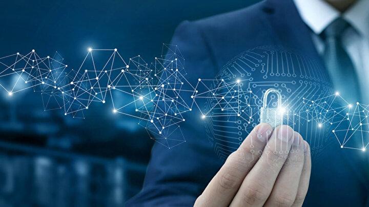 Siber güvenlik kuruluşu ESET'in mercek altına aldığı ve paylaştığı rapora göre yaşlıların dolandırılması da gittikçe büyüyen bir sorun olarak dikkat çekiyor.
