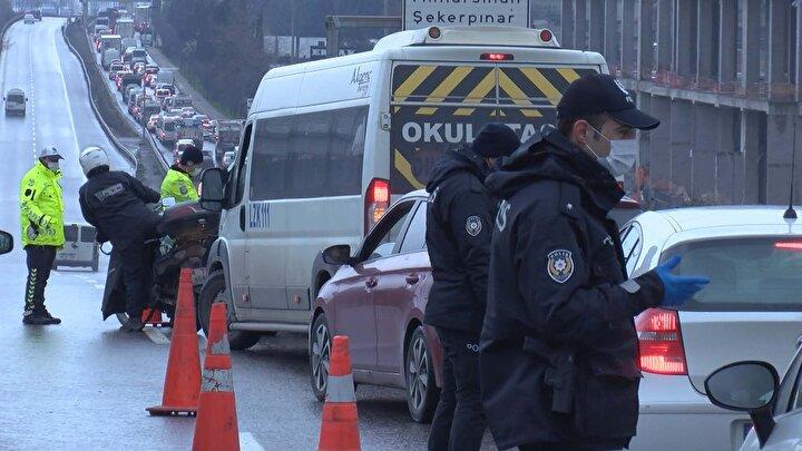 İçişleri Bakanlığının genelgesinde yer alan istisnai durumlar dışında bir şehirden başka bir şehre girmek isteyen araçlar kabul edilmiyor.