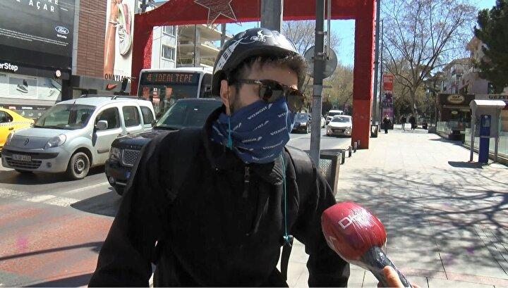 Bağdat Caddesindeki polis ekipleri ise vatandaşlara evde kalmaları konusunda uyarılarda bulundu.