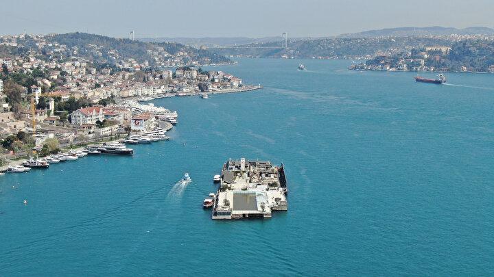 Turkuaz rengine bürünen İstanbul Boğazı drone ile havadan görüntülendi.