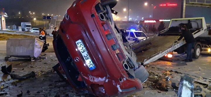 Kaza, D100 Karayolu Edirne istikametinde saat 04.00 sıralarında meydana geldi. İddiaya göre, 34 RC 6457 plakalı lüks otomobili kullanan ve ismi henüz öğrenilemeyen sürücü, Saadetdere mevkiine geldiği sırada direksiyon hâkimiyetini kaybetti.