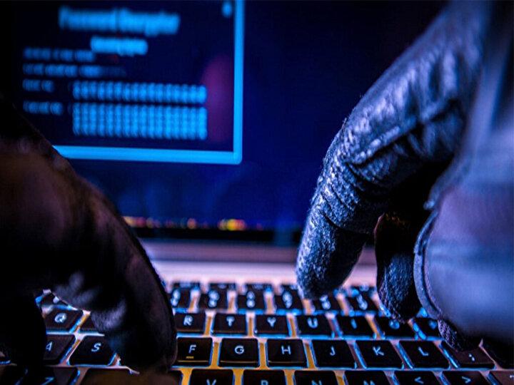 6. Verilerinizi yedekleyin. Bilgisayarınızın virüs saldırısı sonucunda çökmesi gibi tehlike durumlarında veri kaybını önlemek için, bilgilerinizi düzenli bir şekilde yedeklemeyi unutmayın.
