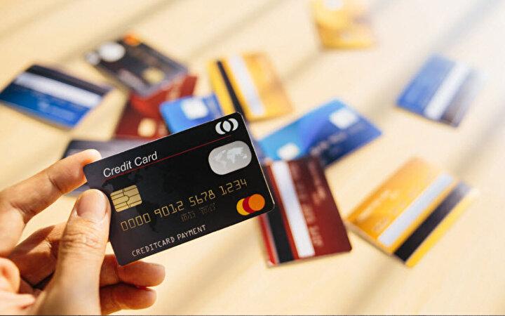 Türkiye'de ise temassız ödemelerde 250 TL'ye kadarlık alışverişler şifresiz bir şekilde hızlıca tamamlanabiliyor.