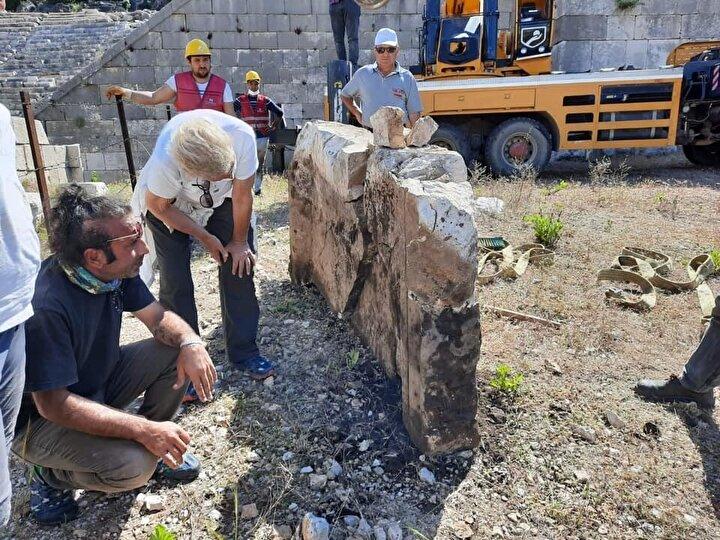 Öte yandan Prof. Dr. Havva İşkan Işık yapılan kazı çalışmalarında boğa başı, üstünde aslan pençesi figürlü taş eser bulunduğu bilgisini de duyurdu.