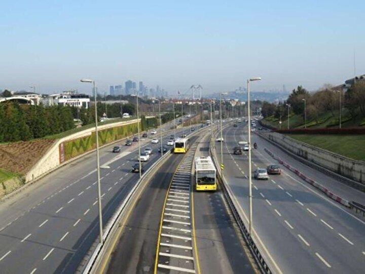 İstanbulda koronavirüs tedbirleri kapsamında uzun süre trafikte yoğunluğu yaşanmamıştı.