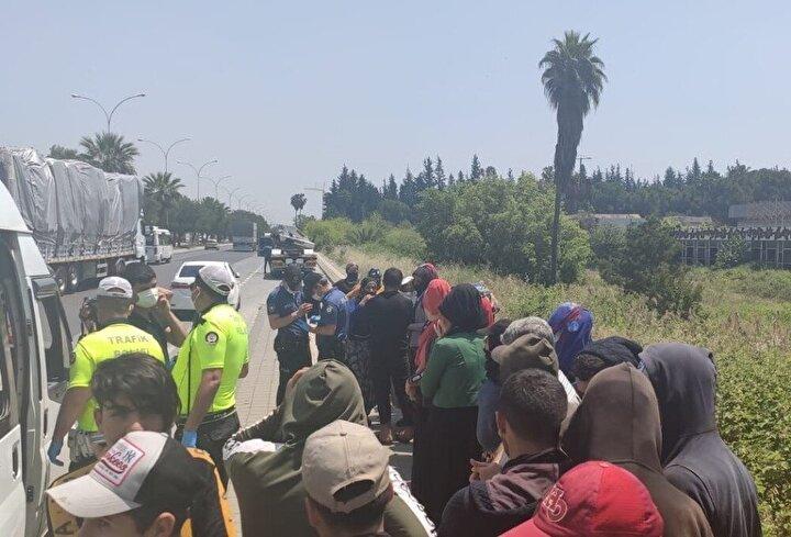 Polis yeni tip koronavirüs nedeniyle gelen araçların yüzde 50 kapasite ile yolcu taşıyıp taşamadığını kontrol etmeye başladı.