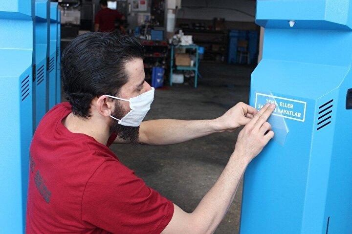 Dünya ülkeleri Kocaeli'de üretilen temassız dezenfektan makinesi için sıraya girdi