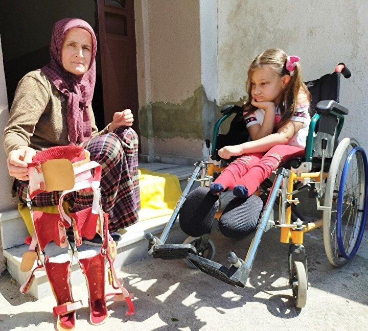 Anne Caymaz, hayırsever vatandaşlardan yardım beklediklerini ifade etti.