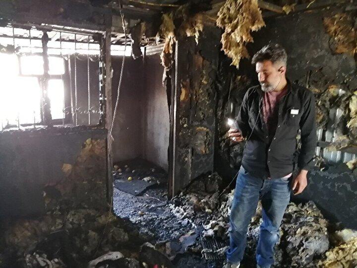 Yaklaşık 2 saatlik müdahalenin ardından yangın söndürüldü.