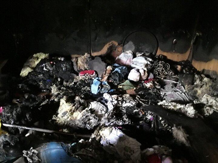 Dumandan etkilenen ev sahibi Yavuz, bölgeye çağrılan ambulansla hastaneye kaldırılırken, yangın ihbarını alan Van Büyükşehir Belediyesi İtfaiye Daire Başkanlığına bağlı İpekyolu Grup Amirliği tarafından bölgeye 2 araç 6 personel sevk edildi.
