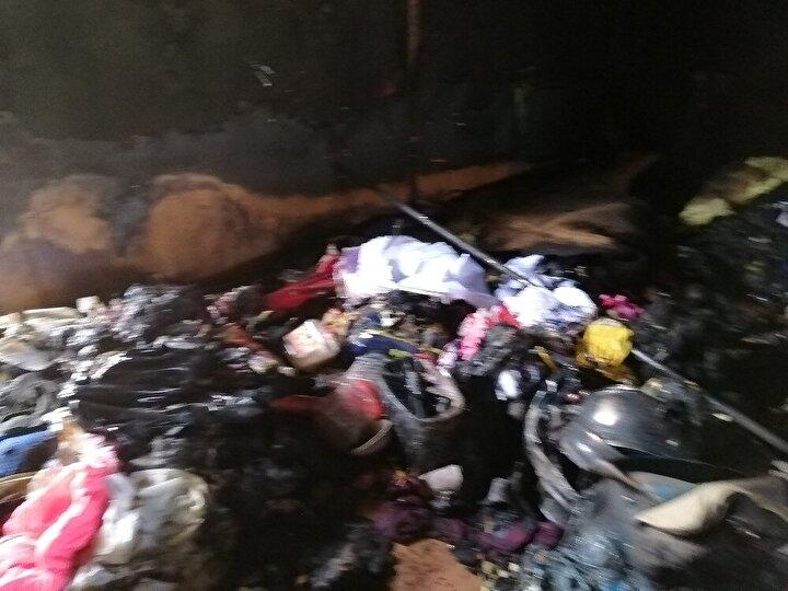 Maddi zararın meydana geldiği yangında 1 adet TV, 1 adet laptop 5 kişilik yatak yorgan, 5 kişilik giyim elbiseleri, kuru gıda malzemeleri, 2 1 konteyner ev, diğer muhtelif ev eşyaları kullanılmaz hale gelirken, yangın sonrası evde yapılan incelemede küle dönen eşyaların arasında yanmamış halde Kur'an-ı Kerim bulundu.