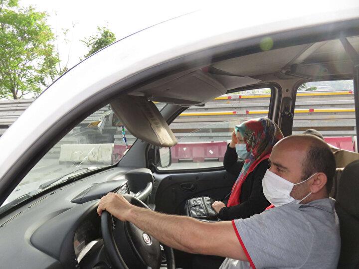 Sokağa çıkma yasağının ilk gününde polis ekipleri 15 Temmuz Şehitler Köprüsünde denetim yaptı.