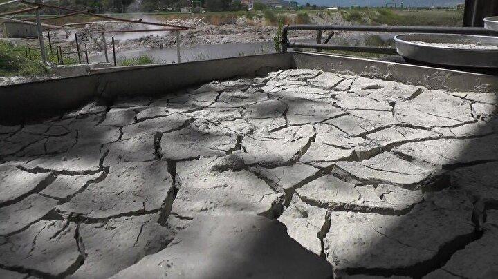 Zortanlar altında çalıştıklarını ve çamurlarını anlatan Şen, açıklamasını şöyle sürdürdü: