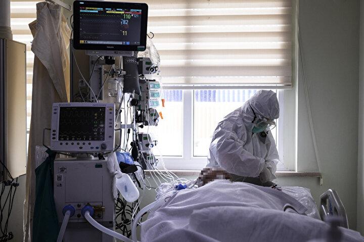 Ümraniye Eğitim Araştırma Hastanesinde 11 Marttan itibaren Kovidli hasta yatırmaya ve tedavi etmeye başlandığını anlatan Doç. Dr. Sağlam, sözlerini şöyle noktaladı: